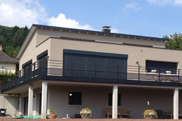 maison plain pied garage en sous sol brise soleil alsace construction